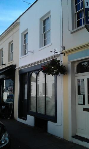 Photo of 6 Suffolk Parade Hotel Bed and Breakfast Accommodation in Cheltenham Gloucestershire