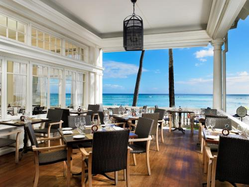 Moana Surfrider, A Westin Resort & Spa Photo