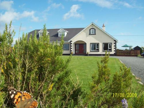 Photo of Carrigbyrne Lodge Country B&B Hotel Bed and Breakfast Accommodation in Carrigbyrne Wexford