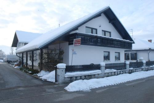 Guest Accomodation Škerlak