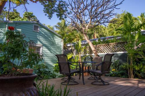 Conch Cottages of Villas Key West Photo
