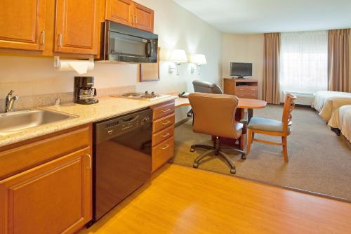 Candlewood Suites Roswell Photo