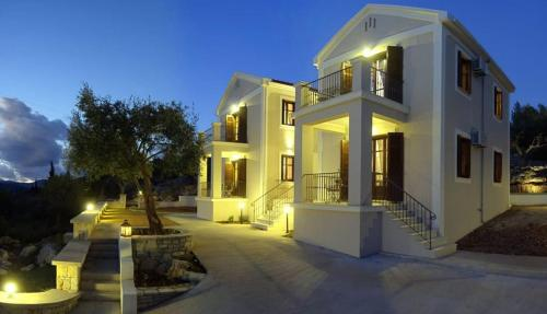 Adastra Ithaca Luxury Suites - Hotels in Greece