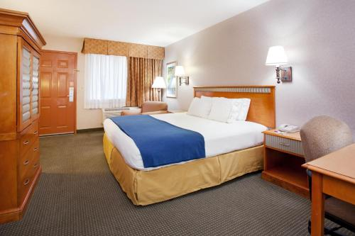 Holiday Inn Express Albuquerque / I-40 EUBANK Photo