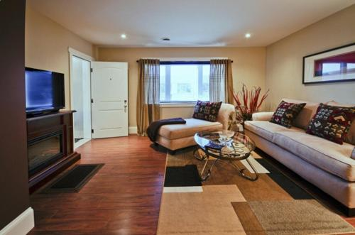 Executive Suites on Durham Photo