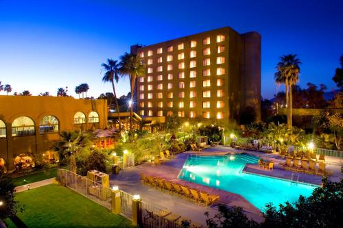 DoubleTree by Hilton Tucson-Reid Park Photo