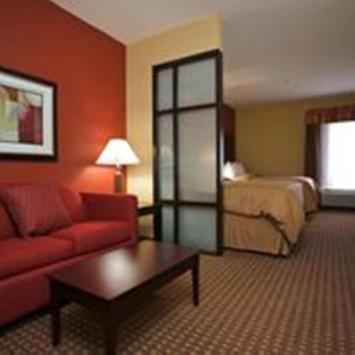 Comfort Suites Golden Isles Gateway Photo