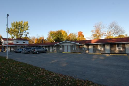 Kings Inn Orillia Photo