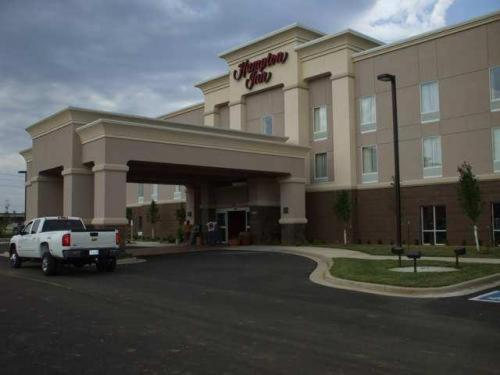 Photo of Hampton Inn Miami Hotel Bed and Breakfast Accommodation in Miami Oklahoma