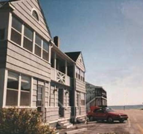 Beach Walk Apartments and Cottages Photo