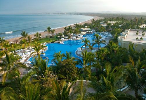 Foto de Pueblo Bonito Emerald Bay Resort & Spa All Inclusive
