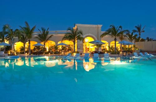 Pueblo Bonito Emerald Bay Resort & Spa All Inclusive Photo