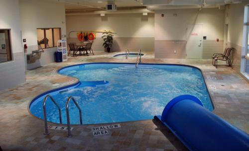 Hampton Inn & Suites by Hilton Lethbridge Photo