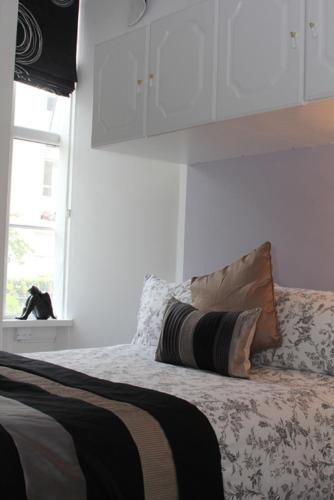 Photo of Clifton Serviced Apartments Hotel Bed and Breakfast Accommodation in Bristol Bristol