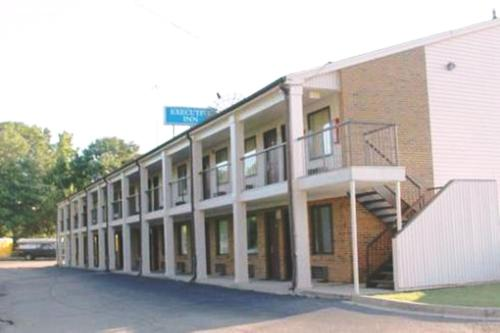 Executive Inn West Columbia Photo