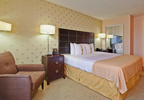 Holiday Inn Bloomington Photo