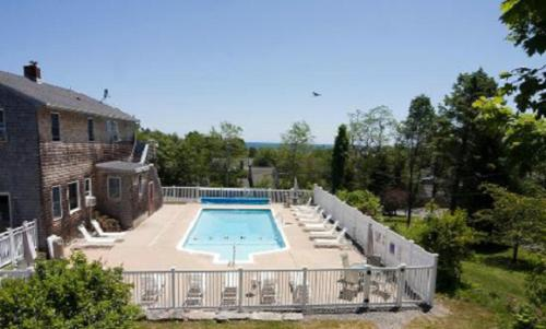 Sea Lion Motel In Gloucester Ma Free Internet Swimming Pool Outdoor Pool Non Smoking