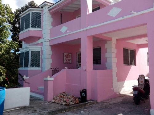 Da Pink And White Palace, Nassau