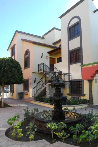 Hotel Suites el Paseo Photo
