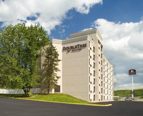 DoubleTree by Hilton Pittsburgh - Meadow Lands Photo