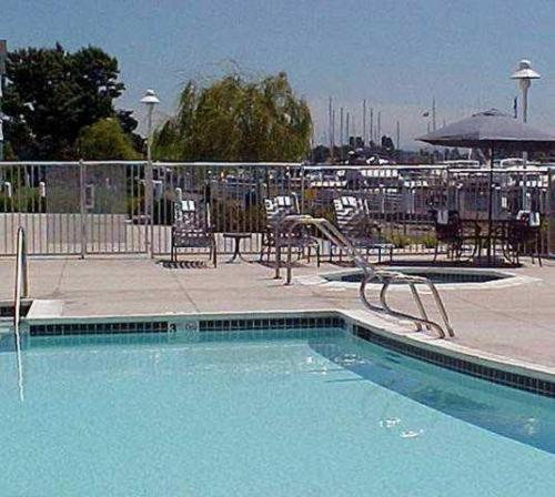 Homewood Suites By Hilton�AE Oakland-Waterfront