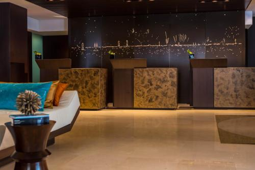 Renaissance Barcelona Hotel, A Marriott Luxury & Lifestyle Hotel photo 10