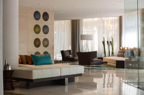 Renaissance Barcelona Hotel, A Marriott Luxury & Lifestyle Hotel photo 12