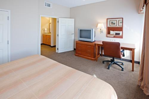 Candlewood Suites Indianapolis Downtown Medical District photo 6