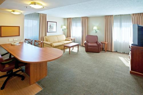 Candlewood Suites Indianapolis Downtown Medical District photo 10