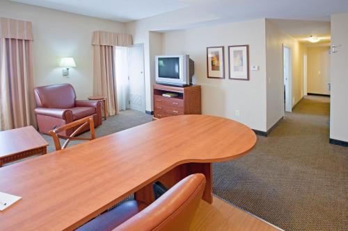 Candlewood Suites Indianapolis Downtown Medical District photo 22