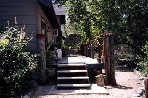 Sequoia Riverfront Cabins Photo