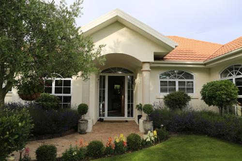 Olive House Bed and Breakfast - christchurch -