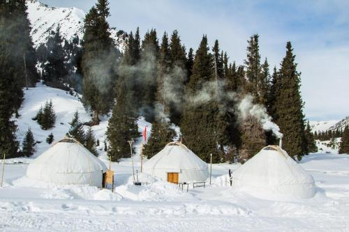 Aksuu Yurt Lodge, Teploklyuchinskoye
