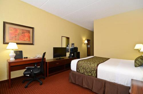 Best Western Waukesha Grand Photo