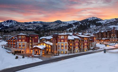 Sunrise Lodge, a Hilton Grand Vacations Club Photo