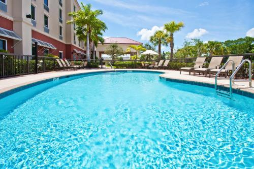 Hampton Inn & Suites Stuart - North - Stuart, FL 34994