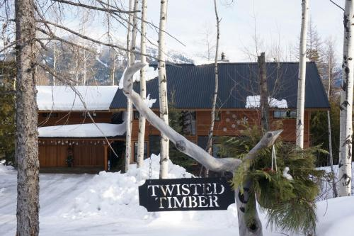 Twisted Timber Guest House Photo