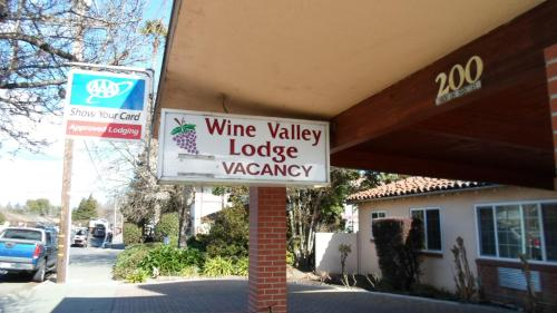 Wine Valley Lodge Photo