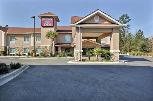 Magnolia Inn & Suites