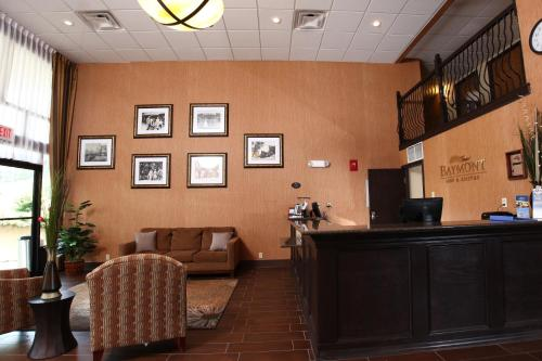Baymont Inn & Suites Branson-On The Strip Photo