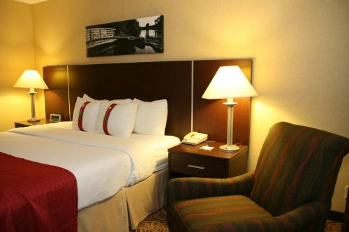 Holiday Inn Sioux Falls-City Center Photo