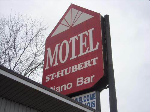 Grand Motel Saint-Hubert Photo