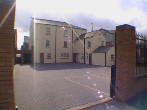 Photo of Earle House Serviced Apartments Self Catering Accommodation in Crewe Cheshire