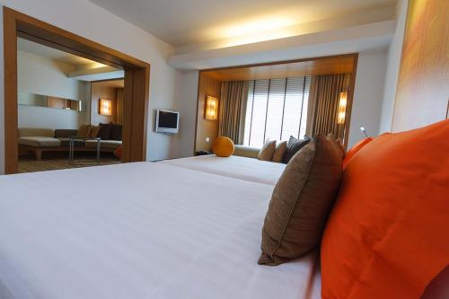 DusitD2 Chiang Mai Hotel, Chiang Mai, Thailand, picture 12