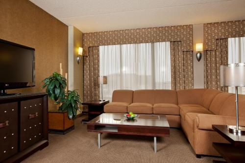 Crowne Plaza Hotel Indianapolis Airport photo 10