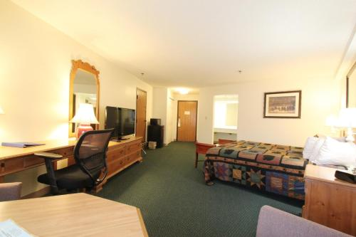 Black Bear Inn and Conference Center Photo