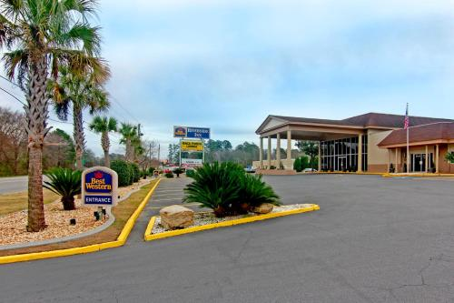 Best Western Riverside Inn Photo