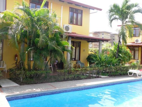 Find cheap Hotels in Costa Rica
