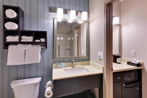 Hampton Inn Morgan Hill Photo