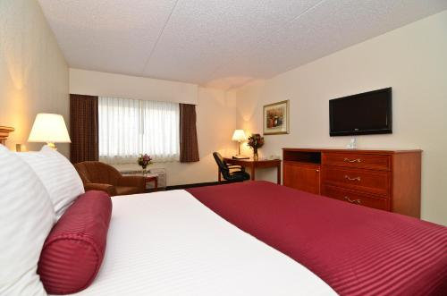 Best Western PLUS Longbranch Photo